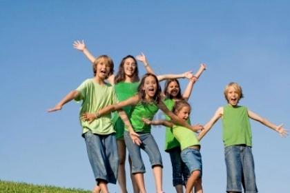 L'Amministrazione comunale organizza un campo estivo per 60 bambini.
