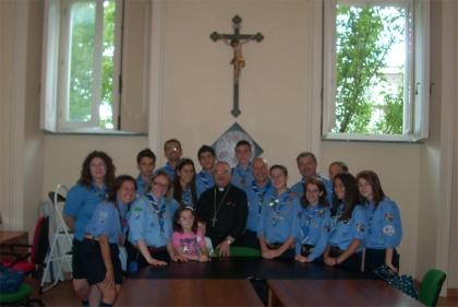 Jamboree 2011 a Rinkaby in Svezia, gli scout incontrano il Vescovo prima della partenza