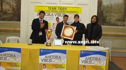 Premiato dall'Amministrazione Comunale l'atleta angrese Gaetano Verziere