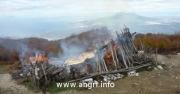 Monte Cerreto, incendiato il rifugio