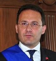 Cirielli: Sono pronto a lasciare il Pdl se il Consiglio dei Ministri non emana il decreto sull'emergenza rifiuti