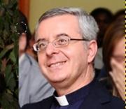 Don Silvio Longobardi respinge le accuse dei fotografi angresi
