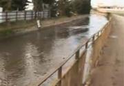 Ripulita dai rifiuti e chiusa la strada che costeggia il rio sguazzatoio