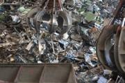 Angri, è polemica sullo stoccaggio rifiuti pericolosi in via Taurana